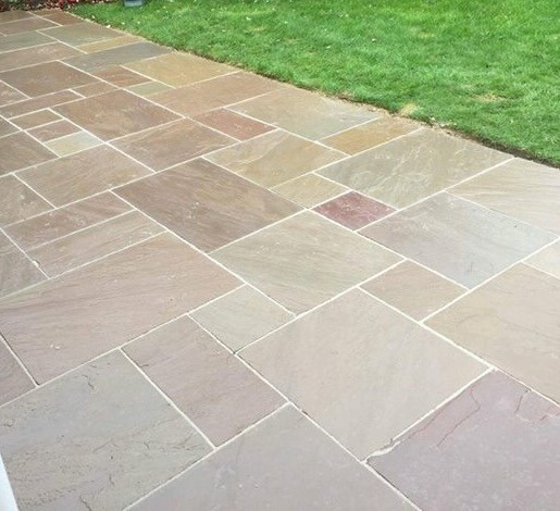 Autumn Brown Indian Sandstone Natural 22mm Calibrated Patio Paving Slabs Pack 15.5m2