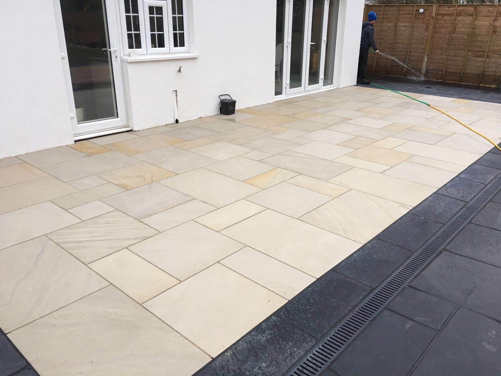 Honed Mint Indian Sandstone Natural Calibrated Patio Paving Slabs Pack 15.5m2 22mm