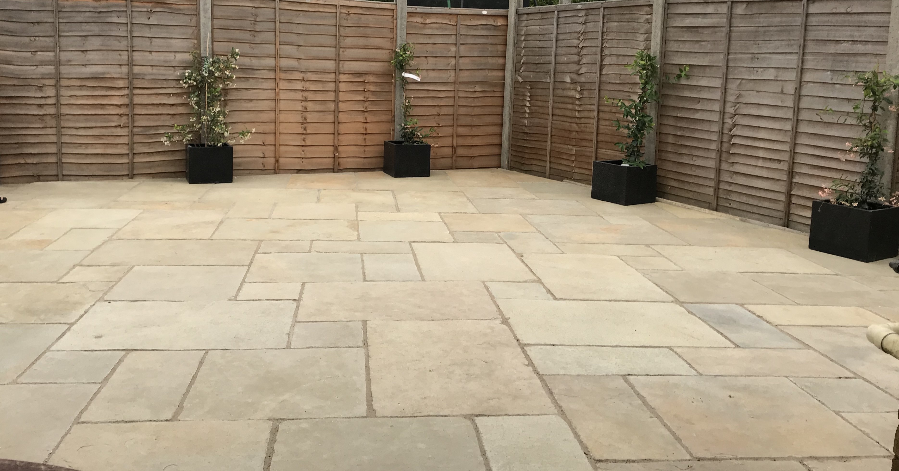 Tandur Yellow Indian Limestone Natural 22mm Calibrated Patio Paving Slabs Pack 15.5m2