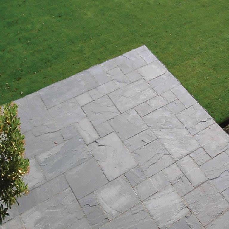 Light Grey Indian Sandstone Natural 22mm Calibrated Patio Paving Slabs Pack 15.5m2