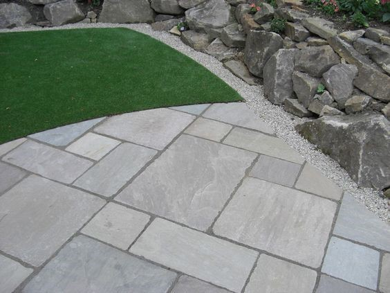 Tumbled Light Grey Indian Sandstone Natural 22mm